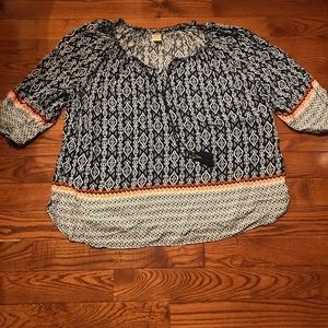 2x Shirt 5/$20